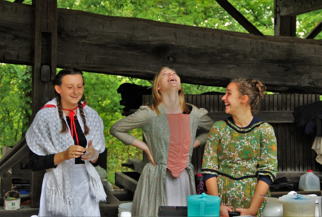 jordan-village-niagara-festivals-pioneer-day-girs-laughing